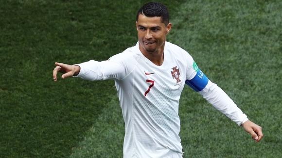 Кристиано Роналдо зарадва малък фен