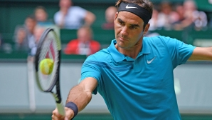 Федерер със 17-а поредна победа на трева (видео)