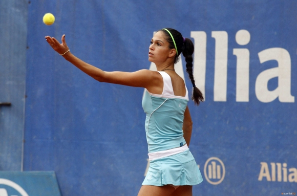 Шиникова е на 1/2-финал в Швеция