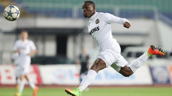 Бивш играч на Славия и Верея ще играе в Катар