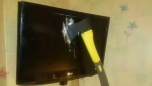 Николай Валуев разби телевизора си с брадва по време на мача с Уругвай