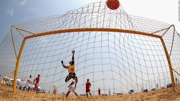 Националите по плажен футбол сразиха Молдова