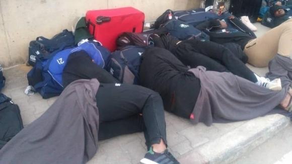 Ръгбистите на Зимбабве нощуваха на улицата преди световна квалификация в Тунис