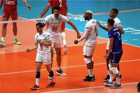 Франция без проблеми срещу Сърбия на финалите (видео)
