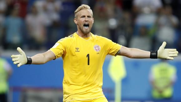 Шмайхел с  приза за Играч на мача срещу Хърватия