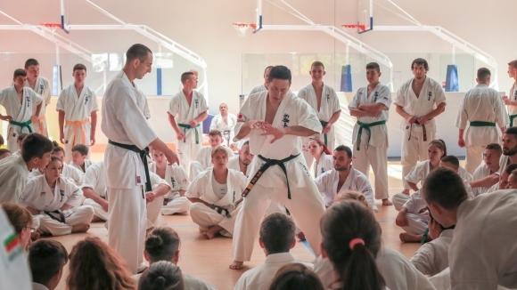 """""""Камчия"""" е домакин на ежегодния международен тренировъчен лагер по карате шинкиокушин"""