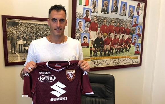 Торино привлече 35-годишен вратар