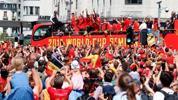 "Хиляди белгийци посрещнаха ""червените дяволи"" в Брюксел"