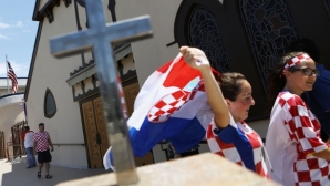 Хиляди хървати атакуват руската столица за историческия мач
