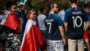"""8000 хървати срещу 10 000 французи по трибуните на """"Лужники"""" за финала"""