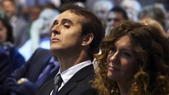 Треньорът на Реал М демонстрира намерението си за Бензема