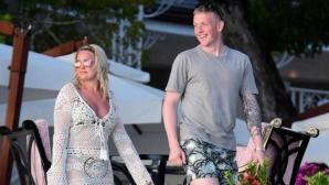 Пикфорд и годеницата му се нанасят в палат за 2,1 млн. паунда