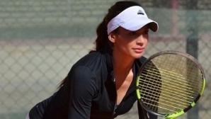 Вангелова отпадна на 1/4-финалите на двойки в Джакарта