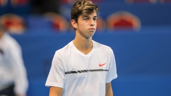 Адриан Андреев започна с победа на ЕП по тенис за юноши