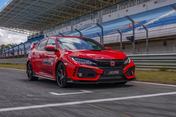 """Honda Civic Type R с нов рекорд на """"Ещорил"""""""