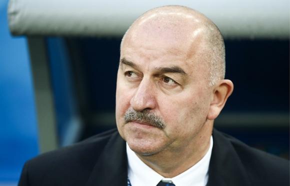 Станислав Черчесов остава начело на Русия