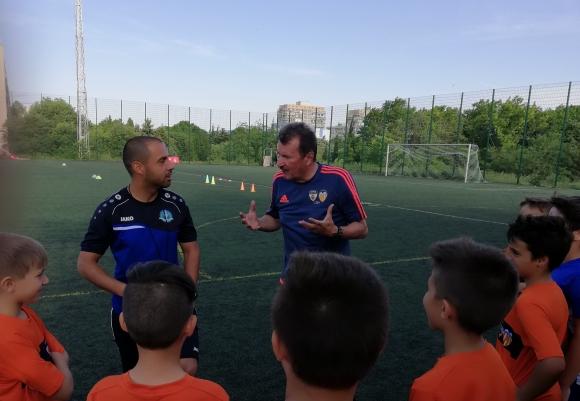 Валенсия търси футболни таланти в България