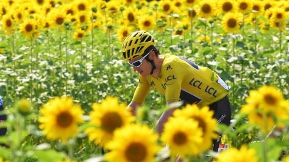 """Британец си осигури победата в """"Тур дьо Франс"""", Дюмолен спечели предпоследния етап (видео)"""
