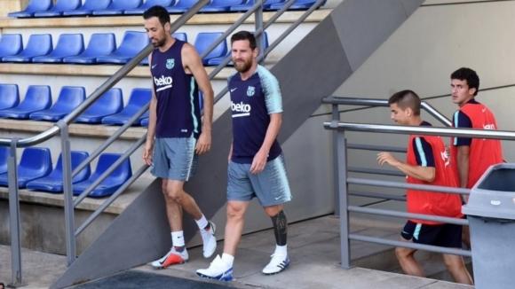 Меси вече тренира с Барса