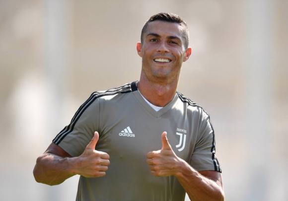Кристиано впечатли още в първата си тренировка в Юве