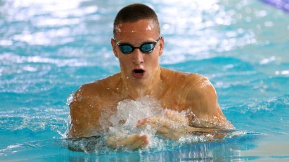 Епитропов и Шумков отпаднаха в сериите на 100 метра бруст в първия ден на ЕП
