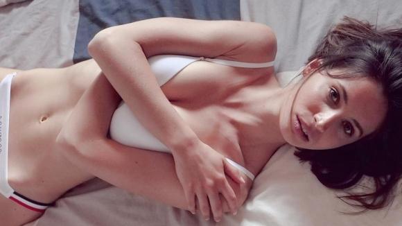 Секси актриса гушка френски национал