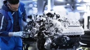 Шедьовър: V8 двигателят на новото BMW Серия 8 Купе (видео)