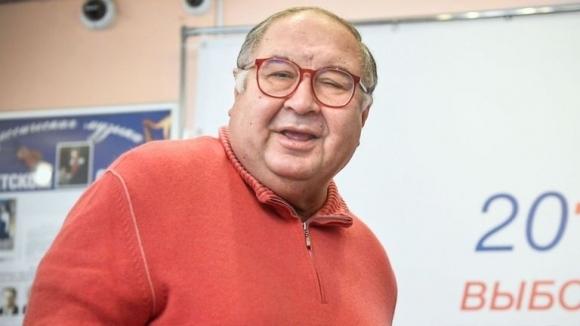Усманов се съгласи да продаде своя дял в Арсенал