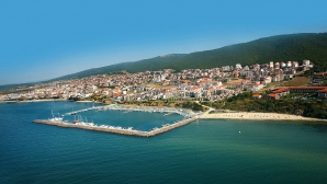 """Първият маратон """"Свети Влас"""" събира приятели на плуването от цяла България"""