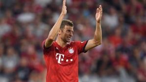 Мюлер ознаменува специалния си мач с два гола, Байерн пак громи