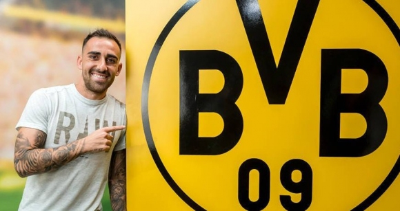 Официално: Алкасер подписа с Борусия (Дортмунд)
