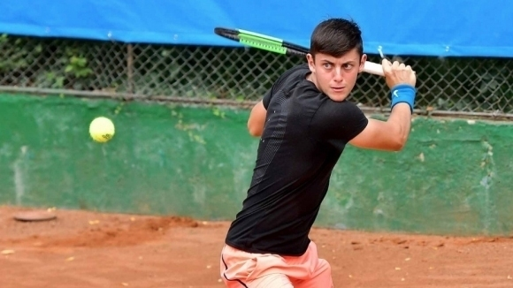 Експресни победи за Лазаров и Донев в Държавното по тенис