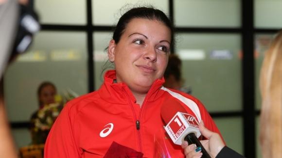 Бонева и Донков с 14-о място в смесеното отборно състезание на 10 метра пистолет на Световното