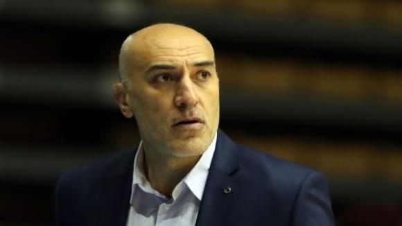 Любомир Минчев обяви списък от 13 играчи за мачовете с Франция и Русия