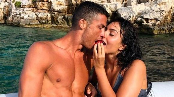 Роналдо се отдаде на романтика