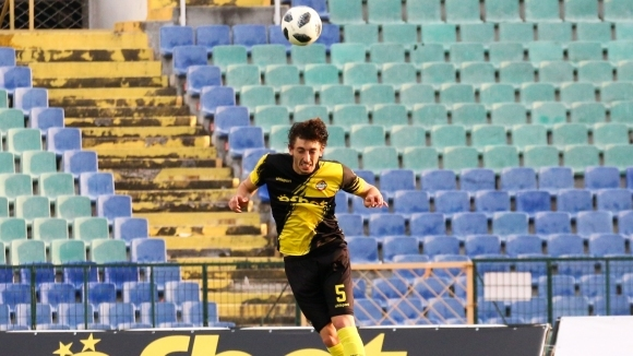 Ботев (Пловдив) предлага нов договор на талант