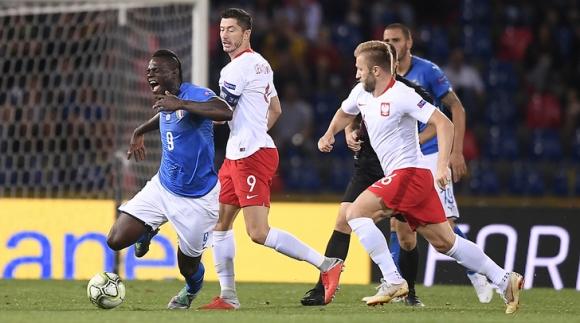 Спорна дузпа спаси Италия в официалния дебют на Манчини (видео)