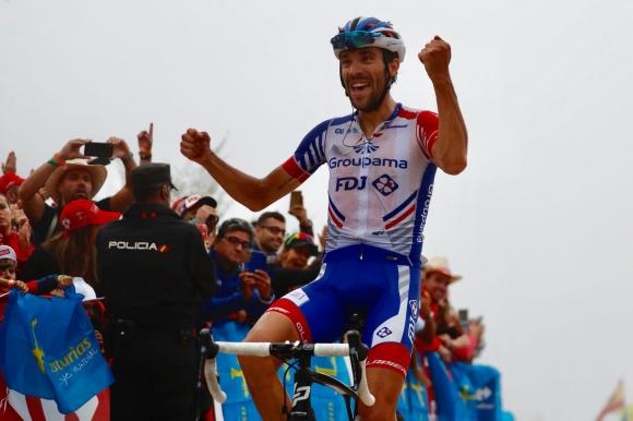 """Тибо Пино с мощен спринт спечели 15-ия етап от """"Вуелтата"""", Саймън Йейтс остава начело"""