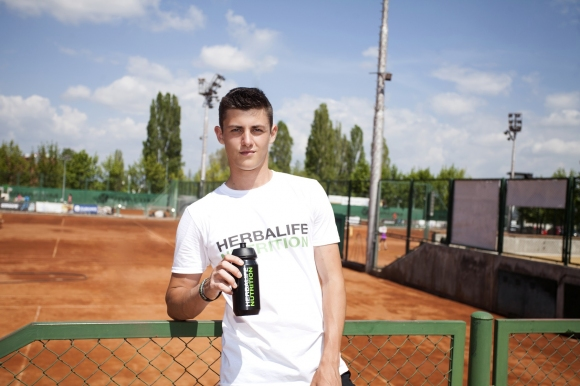 Изгряващата звезда Александър Лазаров с нов спонсор - Herbalife Nutrition