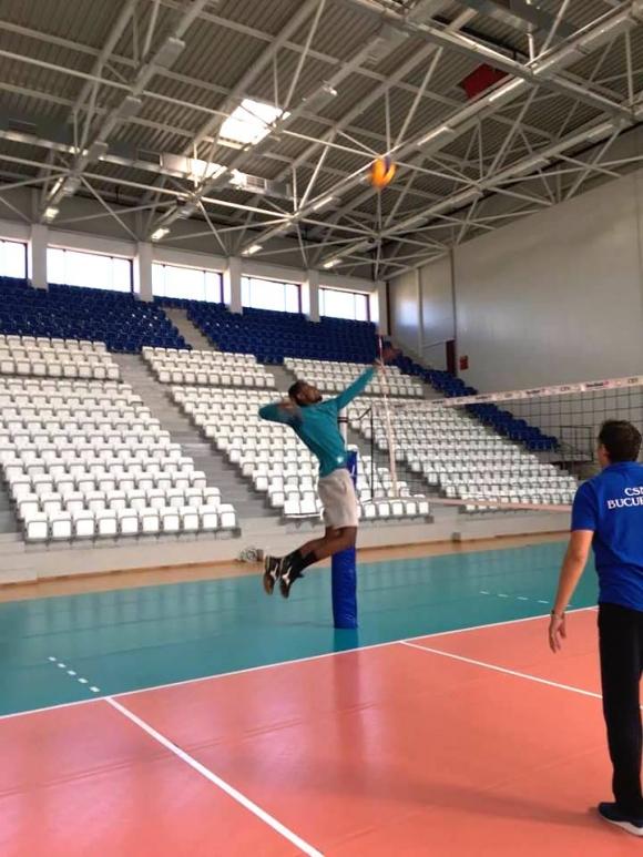 Руандийската перла с първа тренировка в Дупница, фен е на Цветан Соколов