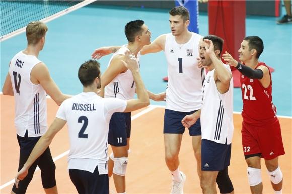 САЩ се измъчи с Австралия, но взе победата след 5 гейма (видео + снимки)