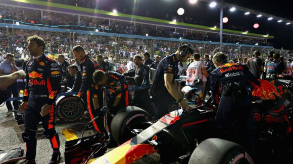 Торо Росо с нова версия на двигателя от Хонда, Ред Бул се връщат към...