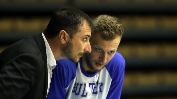 Академик Бултекс 99 победи Динамо (Букурещ) в румънската столица