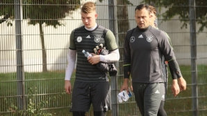 Престижно: българин тренира националните вратари на Германия (снимки)
