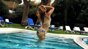 Юлия Стаматова отново нагорещи социалните мрежи (снимки)