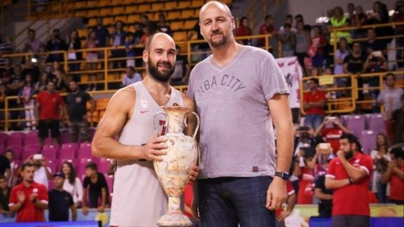 Олимпиакос и Везенков спечелиха приятелски турнир