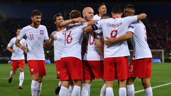 УЕФА наказа Полша заради поведението на феновете