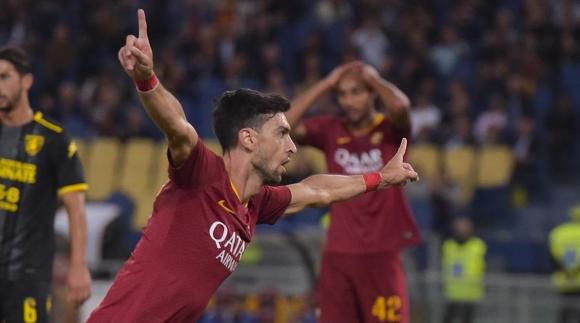 Рома помете Фрозиноне, Пасторе отново вкара гол с пета (видео)