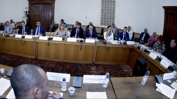 Новият ЗФВС мина на второ четене в парламентарната спортна комисия