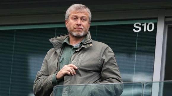 Има двама кандидати за Челси, Абрамович иска три милиарда паунда
